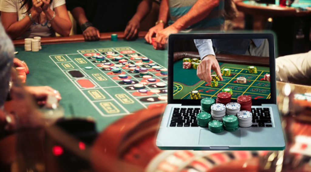 What protections does technology offer when it comes to online casino gambling?